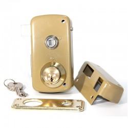 Cerradura de sobreponer con llave de serreta